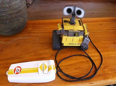 Disney Wall-E wire Remote Control Toy Wacky Action Collectible Robot Thinkway