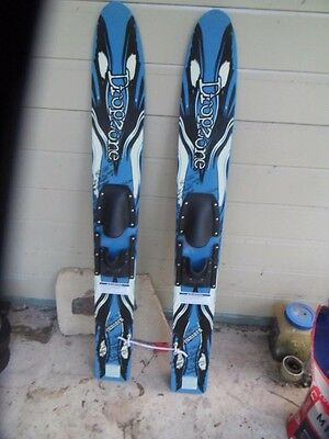 DROPZONE JUNIORS double slalom water skis in very good condition