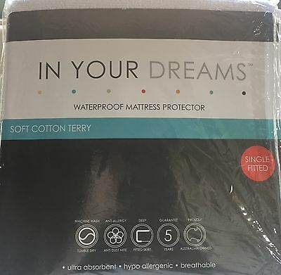 Waterproof Mattress Protector - Single fitted