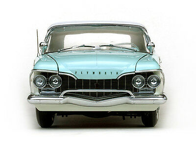 Plymouth Fury Closed 1:18
