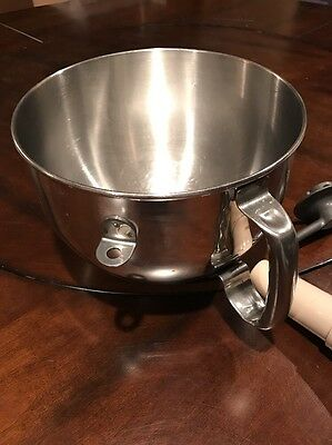 KitchenAid 6-qt. Mixing Bowl with Ergonomic Handle With Dough Hook And Pusher