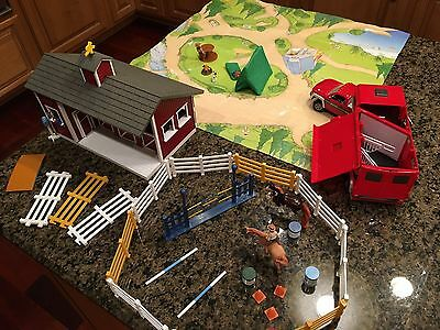 Breyer lot horses, stable, fence, obstacles, truck, trailer all clean