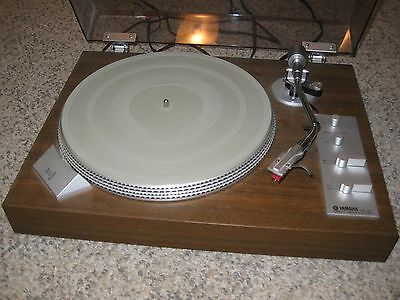 Yamaha YP-511 Direct Drive Turntable
