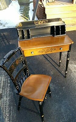 Beautiful Vintage L. Hitchcock Conn Stenciled Painted Desk With Chair