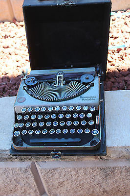 Vintage  Remington Portable Typewriter with Case   WORKING