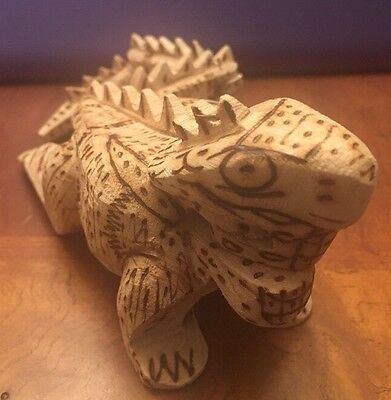 "Wooden Carved Iguana LIZARD Bearded Dragon Burnt Wood Design 11"" Long 2.75"" Tall"
