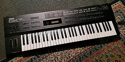 Yamaha DX7S DX7 Vintage Classic FM Synthesiser Good Condition