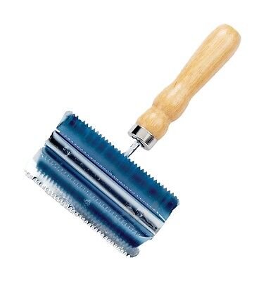 Lincoln Small Metal Curry Comb