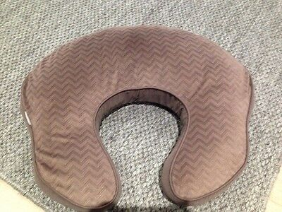 Mombo Nursing Feeding Pillow With Vibrations