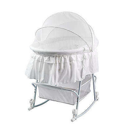 Dream On Me Lacy Portable 2-in-1 Bassinet and Cradle - White