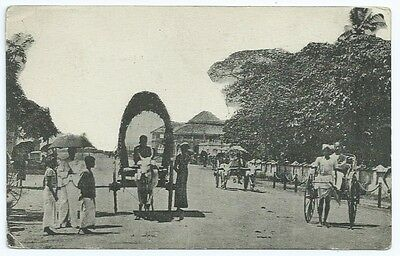 Vintage Postcard. Colpetty Rd, Showing Colombo Club, Colombo.  Unused. Ref:62338