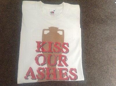 "Cricket ""Kiss Our Ashes"" T Shirt size XL"