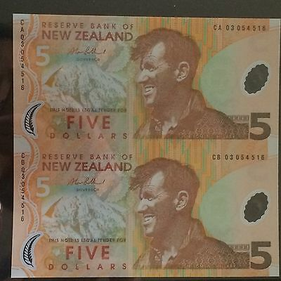 Uncut Pair of New Zealand Polymer $5.00 Banknotes ,rare
