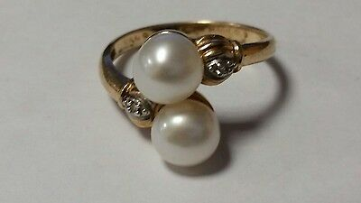 10Kt Yellow Gold Two Cultured Pearl & Diamond Ring Size 7