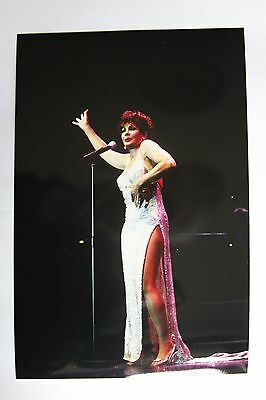 Photo of Shirley Bassey in concert, by Mel Longhurst