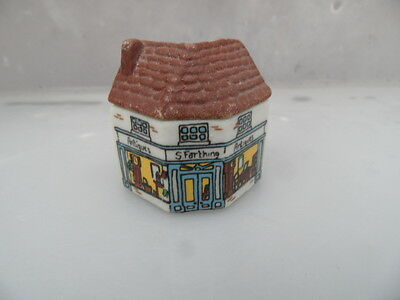 Whimsey on Why WADE House Minature  THE ANTIQUE  SHOP   No 10  Set 2   PERFECT