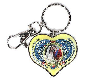 Keyring - Prince William and Catherine at Their Wedding Kissing, Royal Souvenir