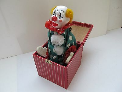 Vintage  pop up clown in wooden box (no musical) (ref 0406)