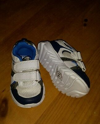 BNWOT Baby Boys Trainers Shoes Size Infant 4
