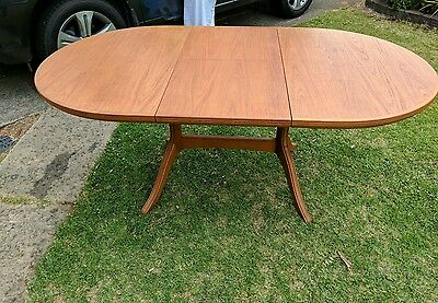 Vintage Retro Chiswell Extension Dining Table