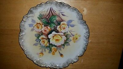 "Roses Plate 8"" Beautiful Yellow Roses Trimmed In Gold Scalloped Edges"