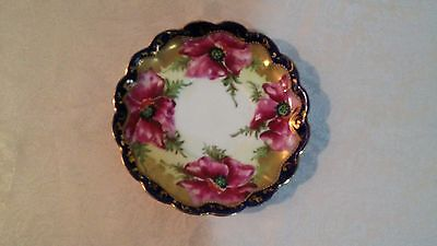 Beautiful Floral Scene, Porcelain Small Dish Plate with Gpld Trimmed. Unmarked