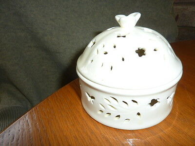 unbranded circular pottery pot with lid