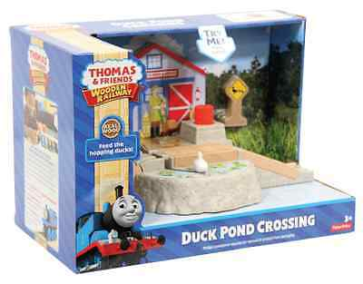 Fisher Price Thomas & Friends Wooden Railway Duck Pond Crossing Brand New Dfw91