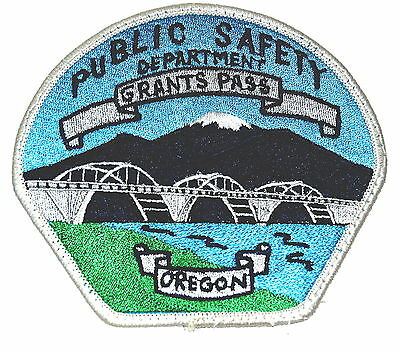 GRANTS PASS OREGON OR Police Sheriff Patch BRIDGE RIVER MOUNTAIN MT HOOD ~