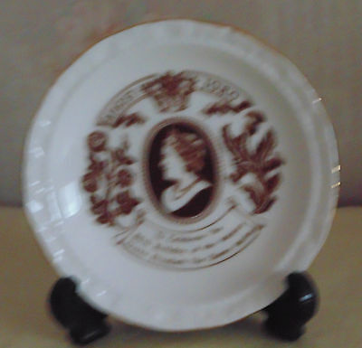 ROYAL ALBERT PIN DISH TO COMMEMORATE THE 80th BIRTHDAY OF THE QUEEN MOTHER