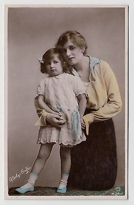 "POSTCARD - Gladys Cooper & daughter Joan, ""British Beauty"" actress, ref B.74-6"