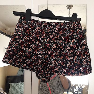 High Waisted Flower Shorts Size 8