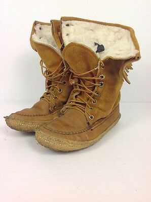 Canadian Made Vintage Leather Moccasins boots Size 7 for Woman Superb