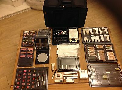 Large Collection Artistry by Amway Beauticians Makeup and Beauty Kit with Case