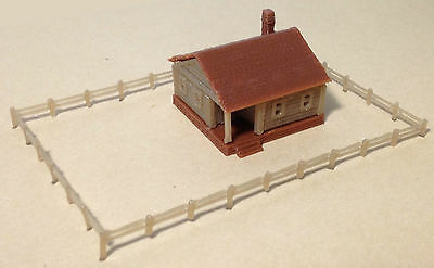 Outland Models Train Railway Layout Country Cottage House with Fencings Z Gauge