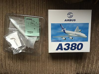 AIRBUS A380 Model Scale 1/400, BNIB
