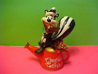 LOONEY TUNES ORNAMENTS Pepe Le Pew and flowers Warner Bros.