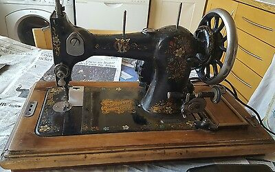Vintage CWS Federation Family Sewing Machine