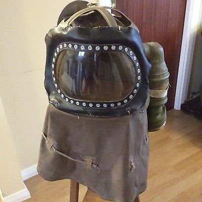 VINTAGE WARTIME BABY GAS MASK WW2 1940 1930 COLLECTABLE BARN FIND 40's