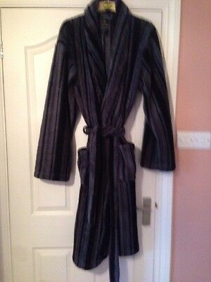 Men's Dressing Gown Robe Size Medium Black Blue