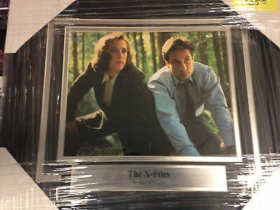 X-Files 8x10 Photo Framed- Mulder & Scully- New