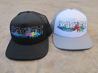 3c8712770a0d84 ... top quality rare oakley men nyc new york skyline liberty trucker  snapback mesh hat b1157 767fc