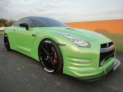 2009 Nissan GT-R Premium 2009 NISSAN GTR GT-R R35 COBB TUNE EXHAUST CLEAN CARFAX 4 NEW TIRES ! WE FINANCE