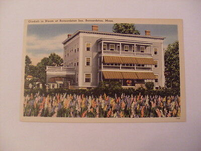 Linen BERNARDSTON INN in Bernardston Massachusetts MA unused Postcard y5835-22