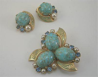 Vintage Gold Tone Turquoise Glass Stones Brooch Pin & Earrings Set