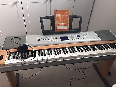 Yamaha Portable Grand DGX-630 YPG- 635 Unwanted gift, almost new
