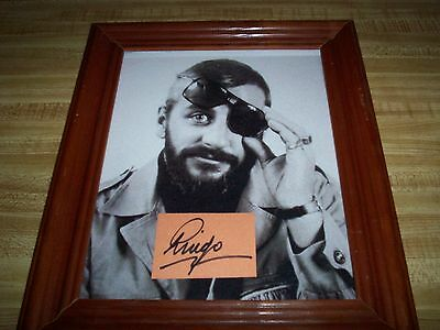 The Beatles / Ringo Starr / Genuine Autograph / Glass-Framed Photograph