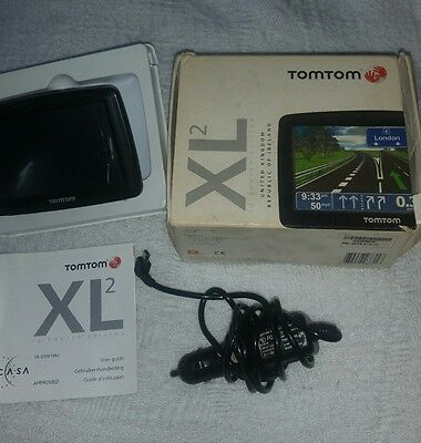 tomtom sat nav GPS great condition with chargers user guide and box