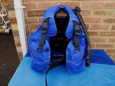 Seaquest Travel Bcd Size L Weight 2 Kgs Great Condition As Photo Show