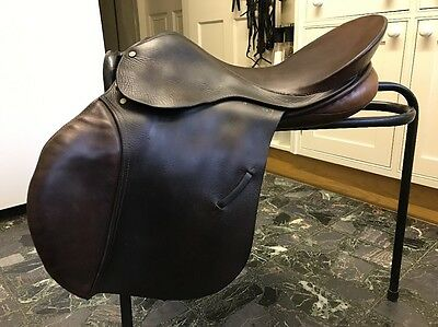 "Fieldhouse 18"" Jumping/Hunting Saddle"